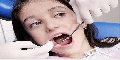上海/蛀牙及龋齿,俗称虫牙,但并不是虫子把牙齿咬坏了,而是口腔内...