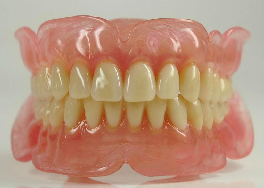 广州做一颗假牙多少钱